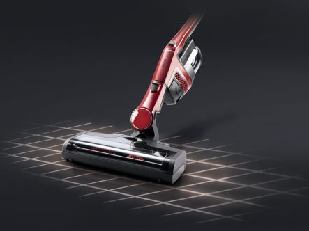 Miele Triflex HX1 Ruby Red Velvet - vacuuming with bottom unit