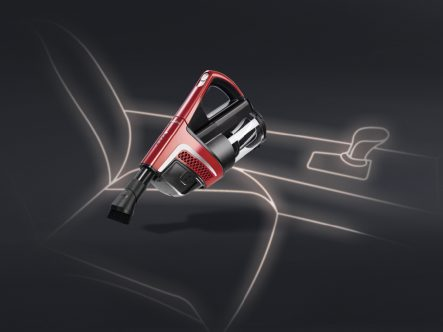 Miele Triflex HX1 Ruby Red Velvet - vacuuming with power unit